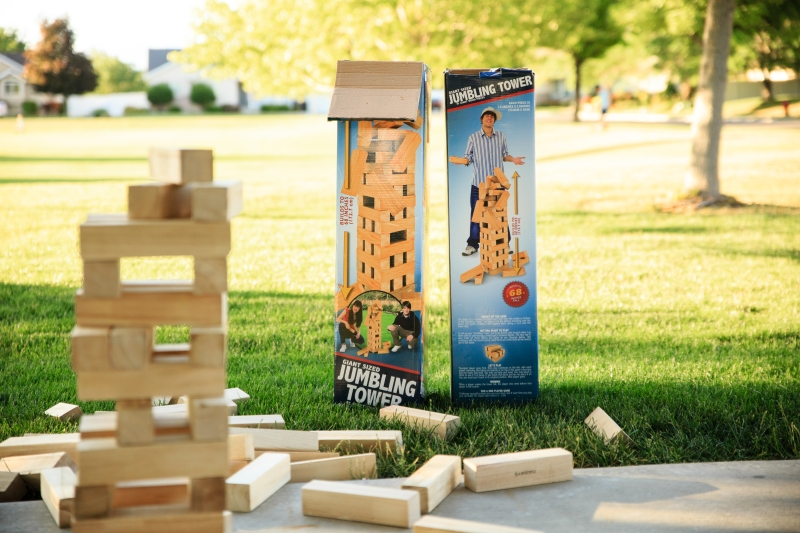 Giant Tumbling Tower (Giant Jenga)